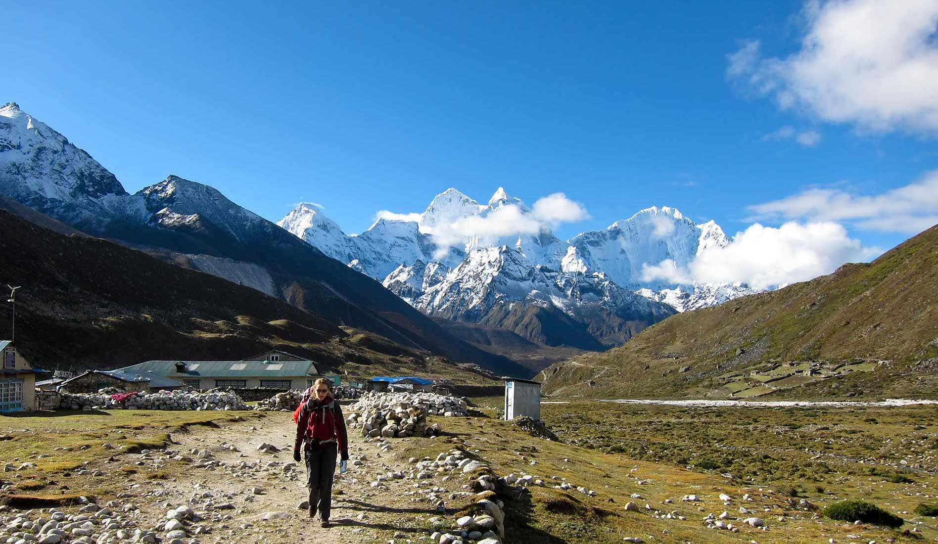Everest base camp charitytravelandtrek